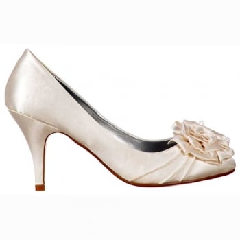 Shoekandi Low Kitten Heel Bridal Wedding Shoes - Flower and Pearl - Ivory Satin