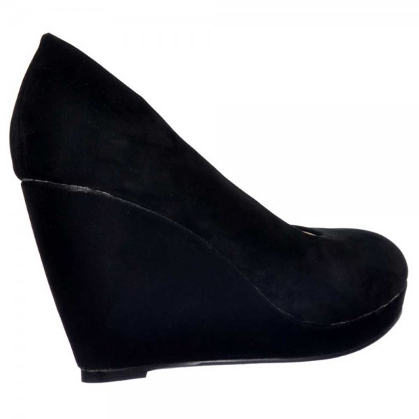 We do even have wedge heels boots that is perfect to wear for your clothes this coming Christmas. In this place you can buy cheap wedges shoes from the finest quality made especially for you. Our cheap wedges shoes will fit your tastes because it comes with an eye catching design and colors.