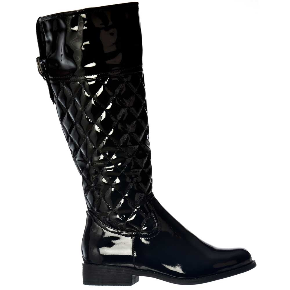 shoekandi patent boots with quilted effect